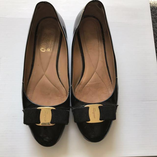 Ferragamo varina flats patent black size 6 36.5
