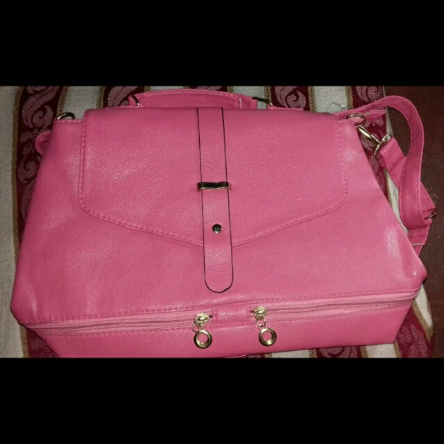 FOR SALE! BAG IN PINK