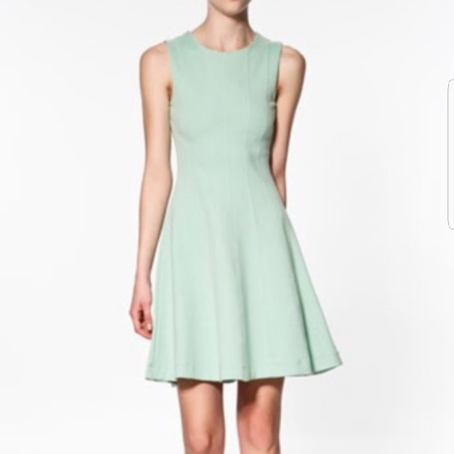 8bc271fbbc0 FOREVER NEW | MINT A-LINE DRESS, Women's Fashion, Clothes on Carousell