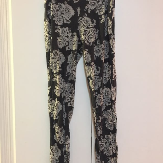 Juicy Couture patterned leggings
