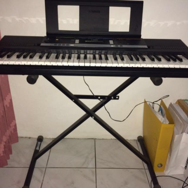 Keyboard YAMAHA PSR E243