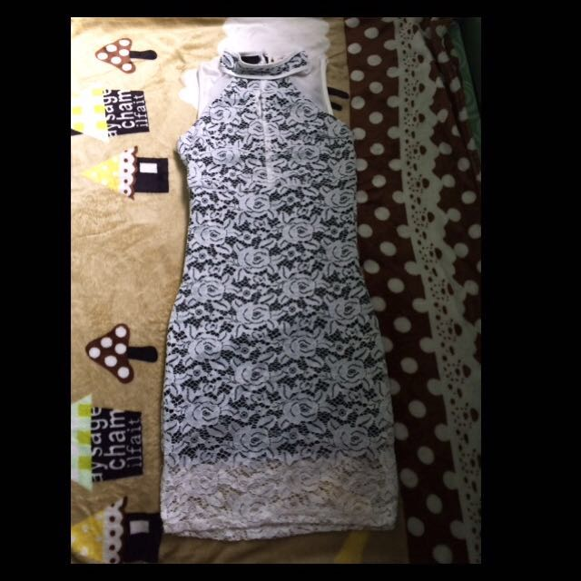 Lace dress (black n white)