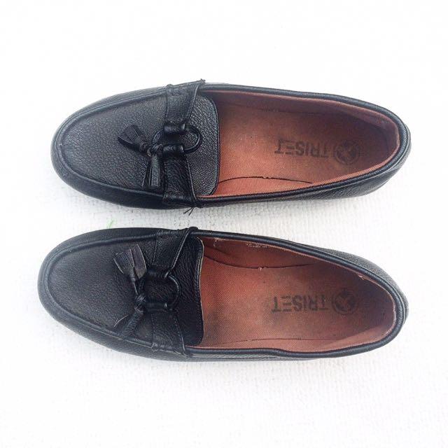 Loafer Hitam Legam