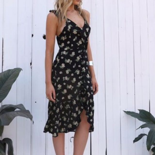 Lost In Lunar Size 12 Dress