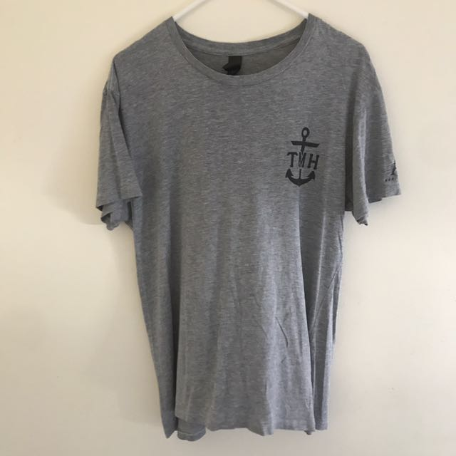 Mad Huey's gray top