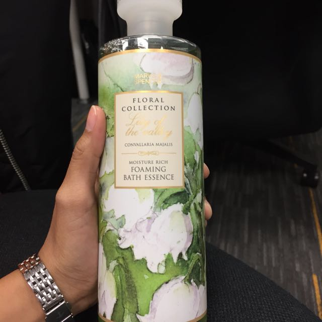 Mark & Spencer Lily Foaming Bath