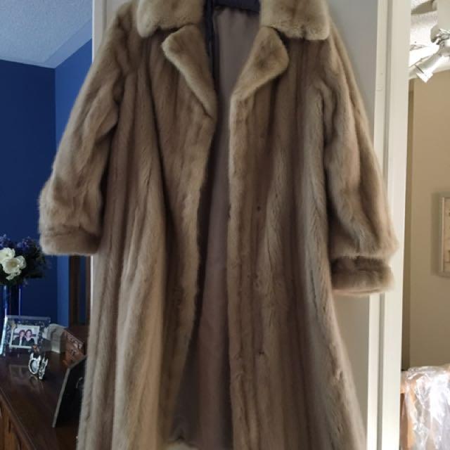 Mink Beige Fur Coat