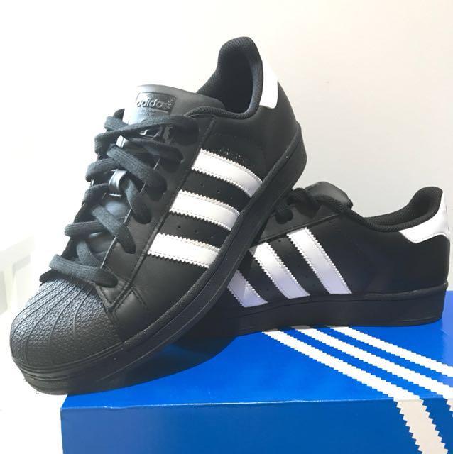 New Adidas Black Superstars Size 9