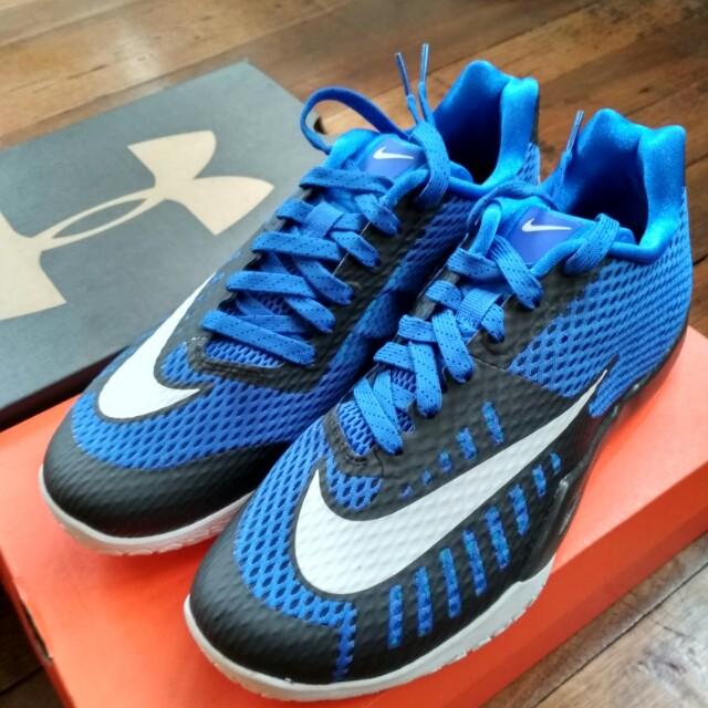 Nike hyperlive