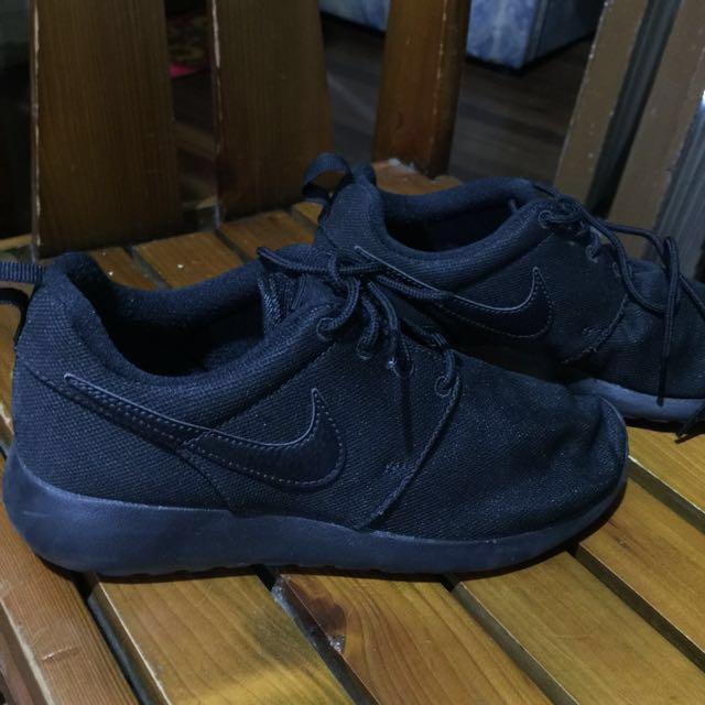 Nike Roshe Run Authentic