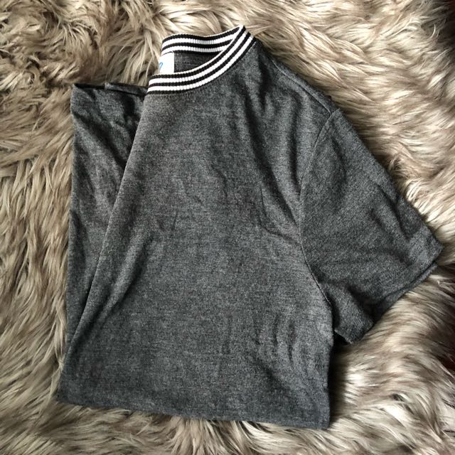 Old Navy Grey T-Shirt
