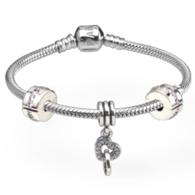 Pandora Starter Bracelet with interlocking heart charm