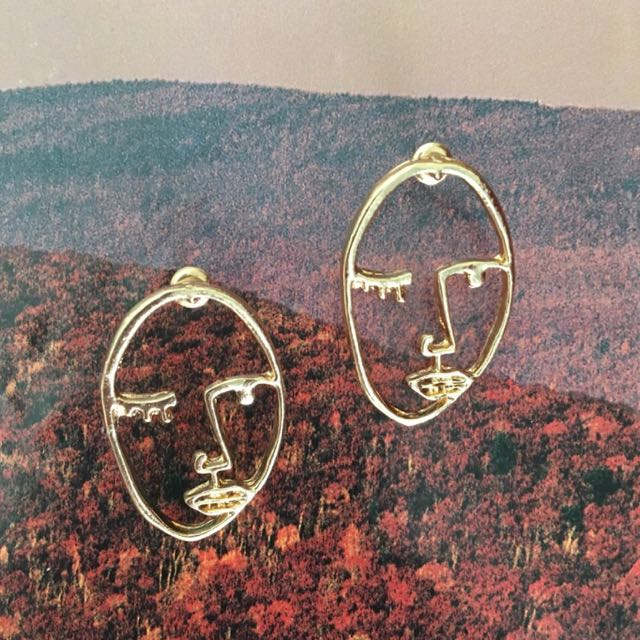 picasso face earrings!