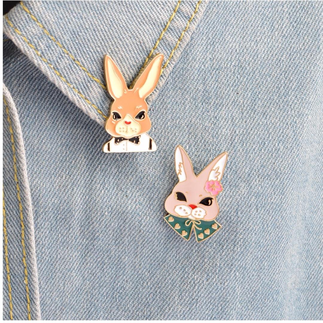 pin/brooch rabbit boy & rabbit girl (dijual satuan)