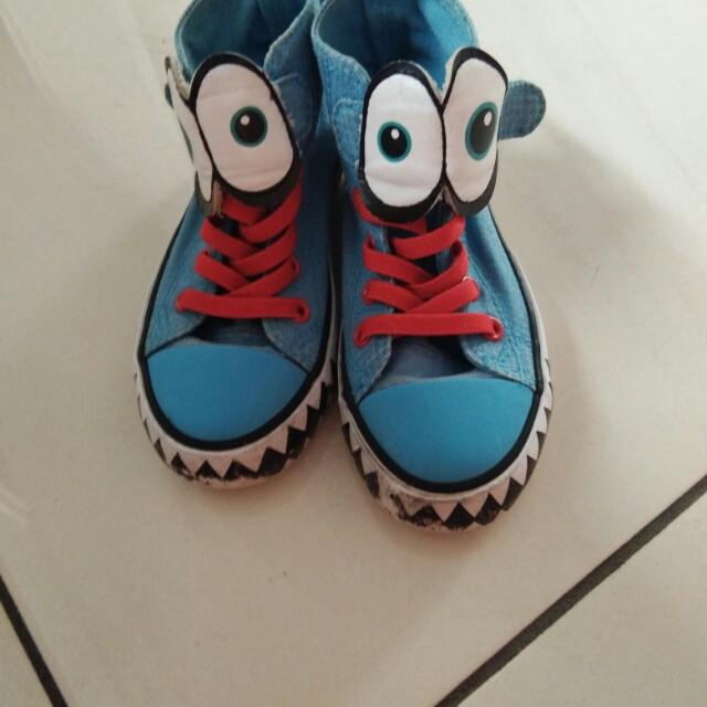 Sepatu hnm size 26