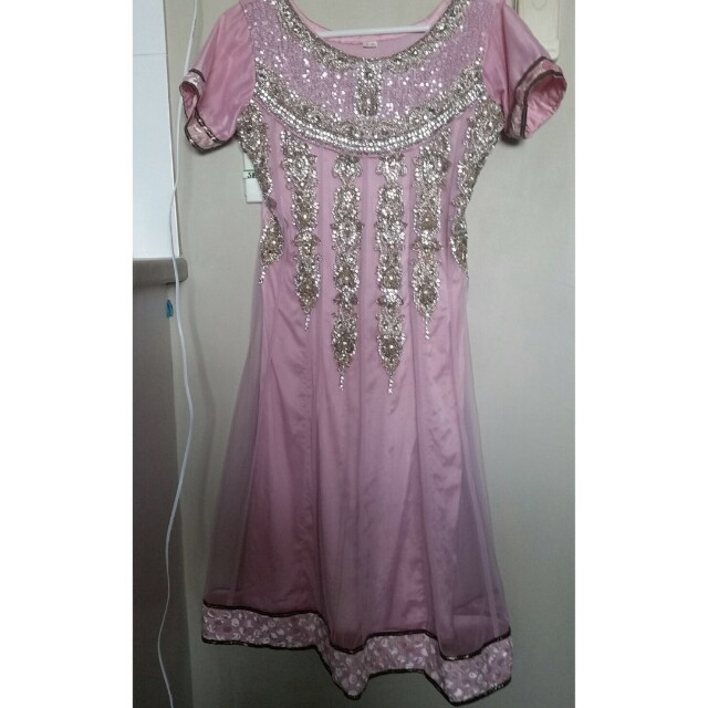 Soft pink chiffon bollywood dress with scarf and pants good as new