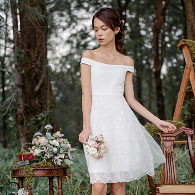 5213bffb4edf Threadtheory Odette In Love Offshoulder Dress, Women's Fashion, Clothes,  Dresses & Skirts on Carousell