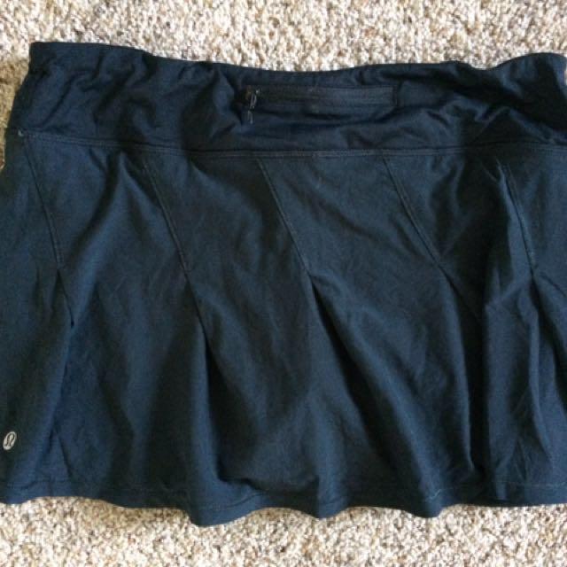 Women's lululemon black run skirt size 8