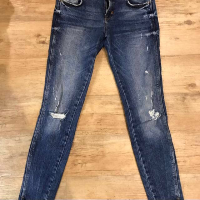 Zara ripped skinny jeans (price can be nego)