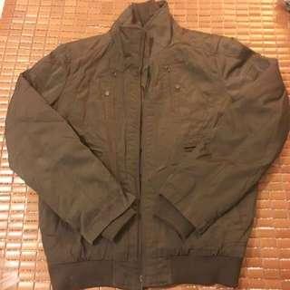 Celio軍綠保暖外套