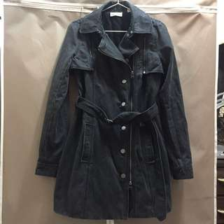 (二手)DKNY黑色修身摺裙下擺多種穿法實用軍裝風衣 size XS