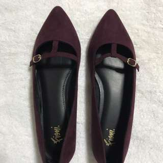 Fioni burgundy pointed flats