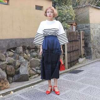 Stylenanda全新官網購回層次摺邊海軍藍長裙