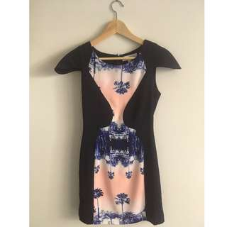 FINDERS KEEPERS Navy Dress WORN ONCE