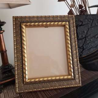 "Gold Tone Vintage Style Unique Photo Frame 8 x 10"" - Made in Australia"