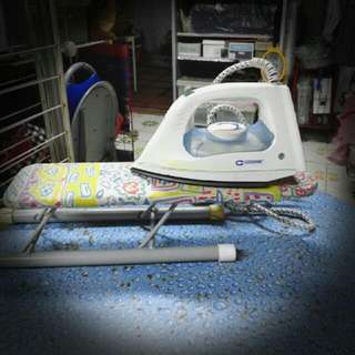 蒸氣熨斗連熨衣板 Steam Iron with mini ironing board