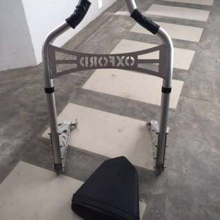 Paddock stand (SOLD) & R6 06/07 Pillion Seat