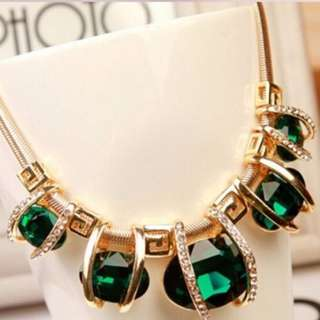 Ready Stock Elegant Necklace with Green Crystal