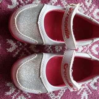 Preloved Sepatu anak cewek