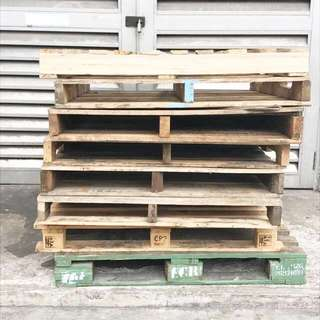 Used/Recycled Wooden Pallets