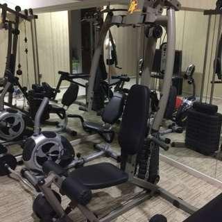 Very new weight lifting machine