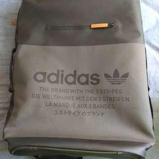 Adidas 防水背囊  100%新