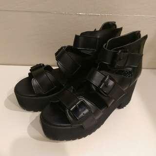 韓 黑色扣環釦環厚底增高涼鞋