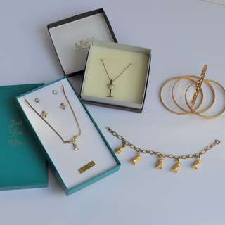 Assorted Gold Jewellery Bundle