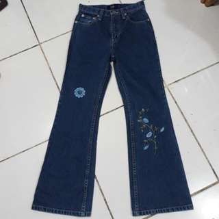 Gap Embroidered&Flared Jeans