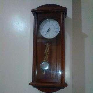 Pindulum wall clock