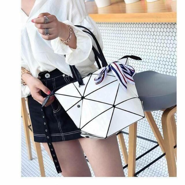 2017新款百變菱格手提包/側背包(共6色)