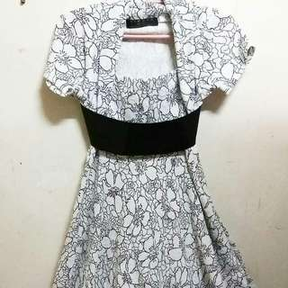 Item: Karimadon embroidered dress with belt *so pretty*