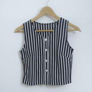 ❣ 黑白直間條簡約短款無袖背心短褲套裝                                                         ❣ Black and White Straight Striped Crop Vest Set