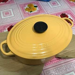 Le Creuset Oval French Oven 27cm