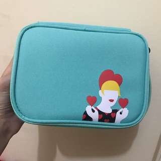 Innisfree makeup pouch