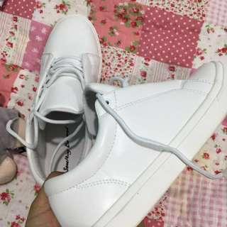[NEW] ZALORA White sneakers