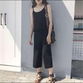 針織黑背心+黑寬褲