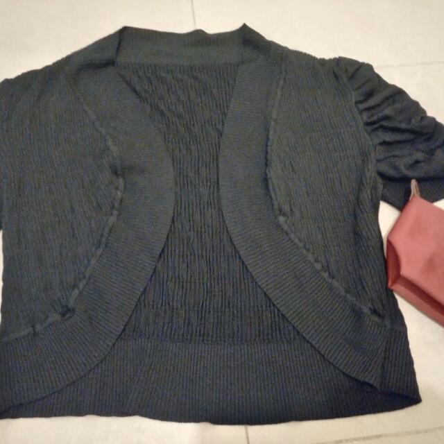 黑色短版罩衫  短袖上衣