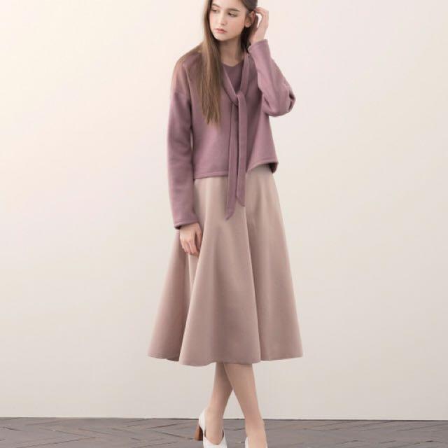 全新轉賣 毛呢粉紫長袖上衣附領巾