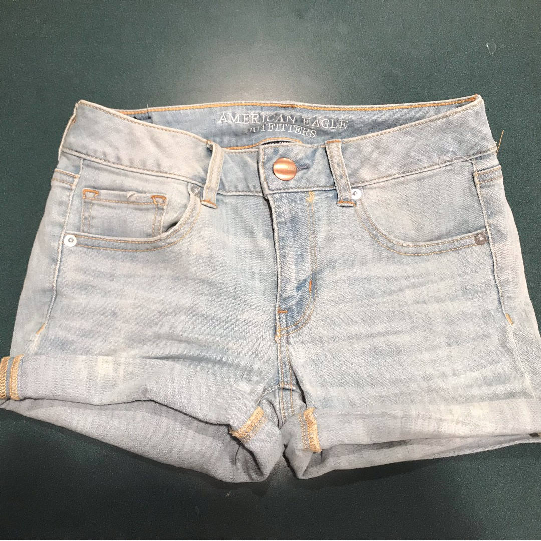 american eagle light wash denim shorts